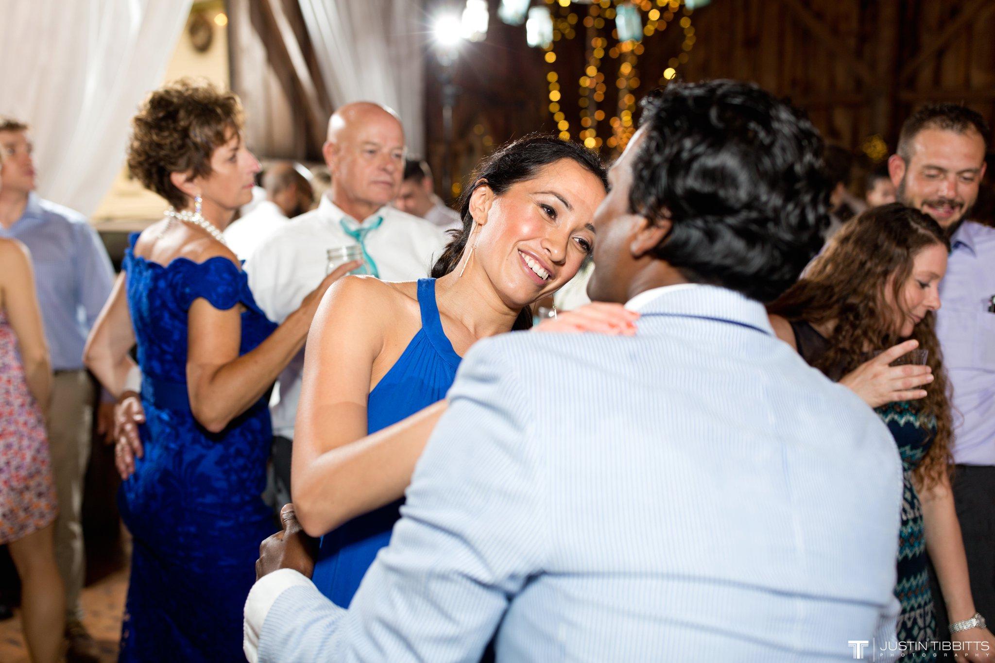 burlap-and-beams-wedding-photos-with-joran-and-molly_0123