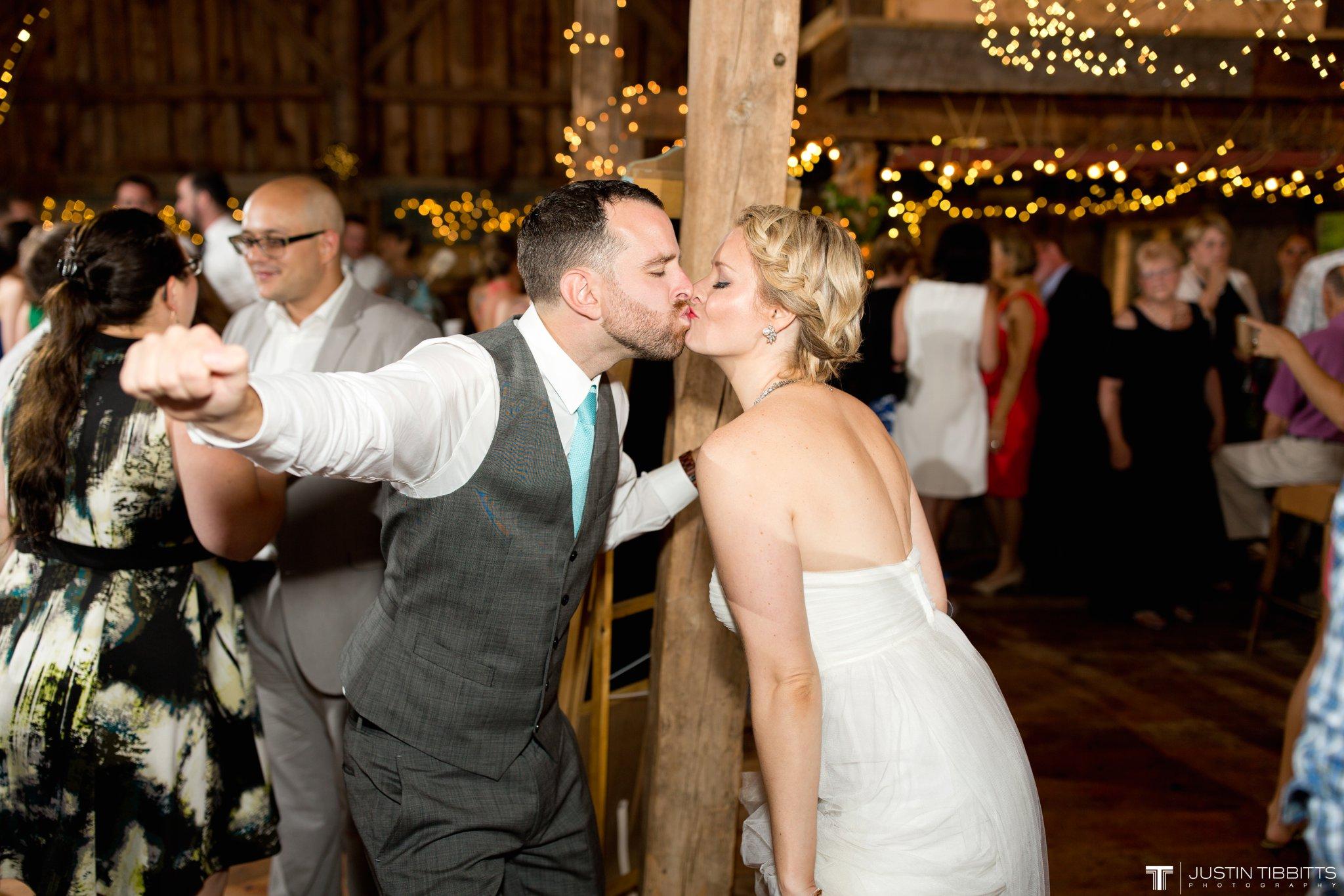 burlap-and-beams-wedding-photos-with-joran-and-molly_0124