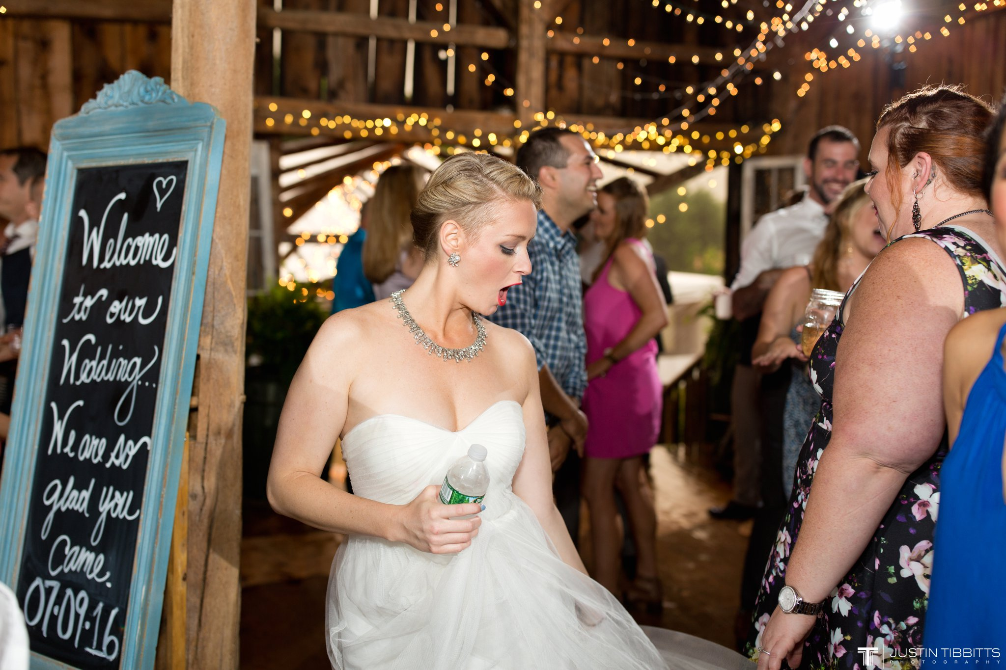 burlap-and-beams-wedding-photos-with-joran-and-molly_0126
