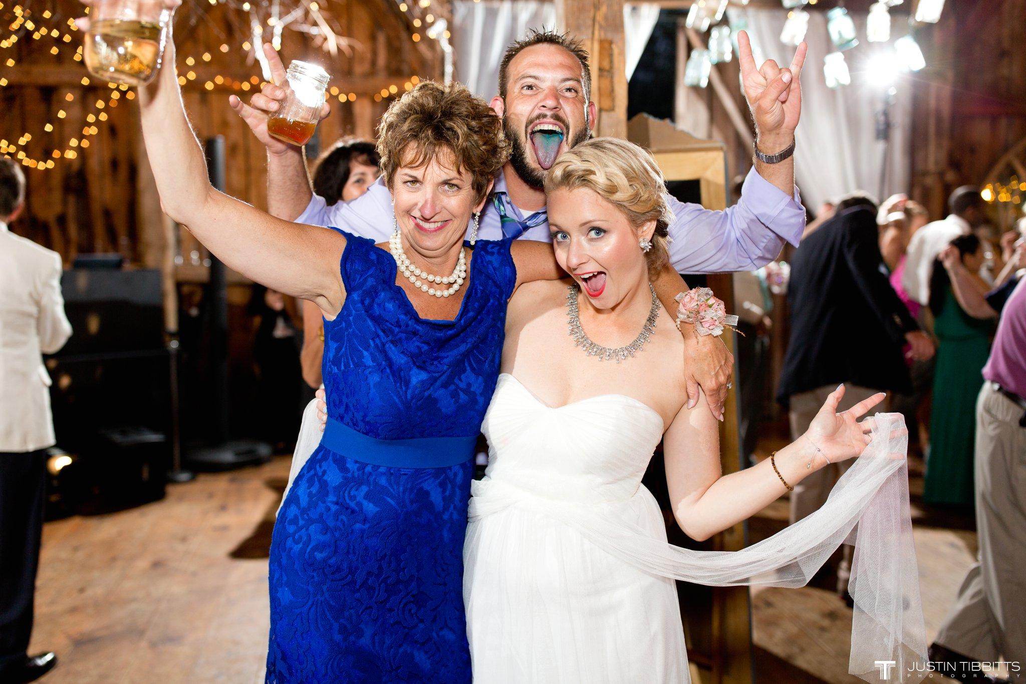 burlap-and-beams-wedding-photos-with-joran-and-molly_0129