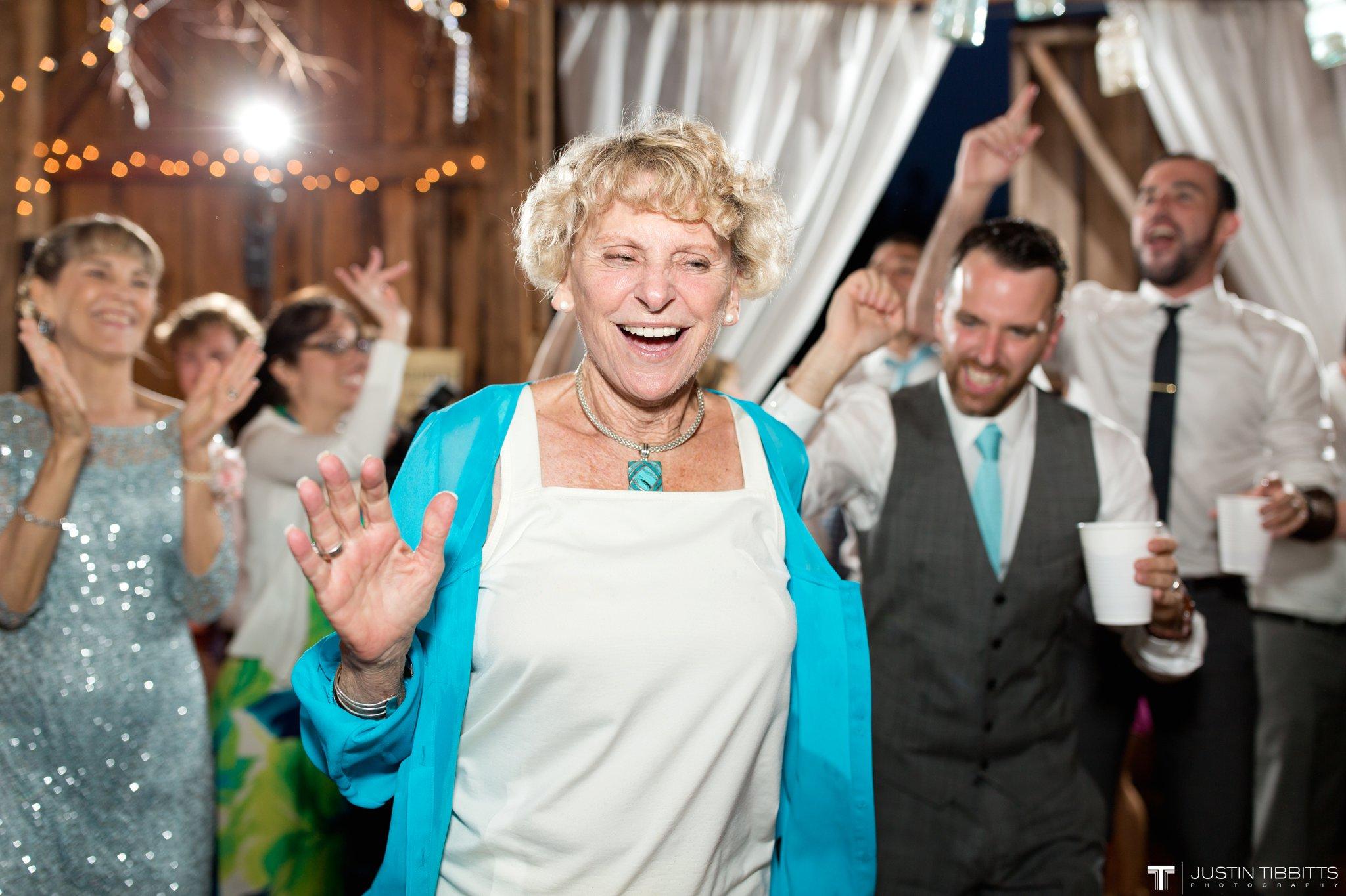 burlap-and-beams-wedding-photos-with-joran-and-molly_0131
