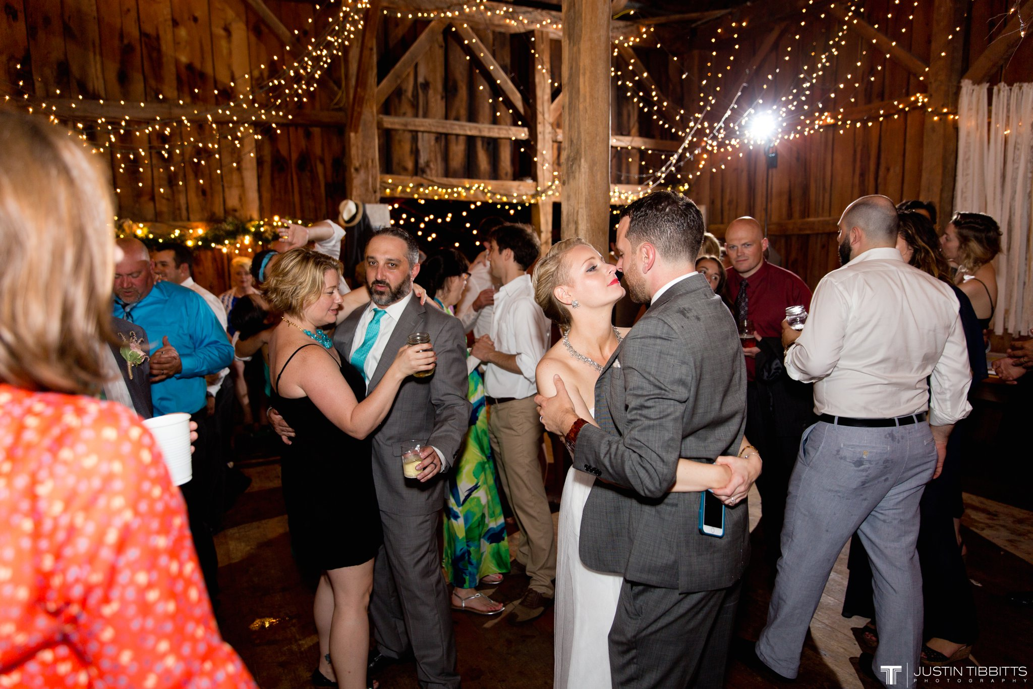 burlap-and-beams-wedding-photos-with-joran-and-molly_0133