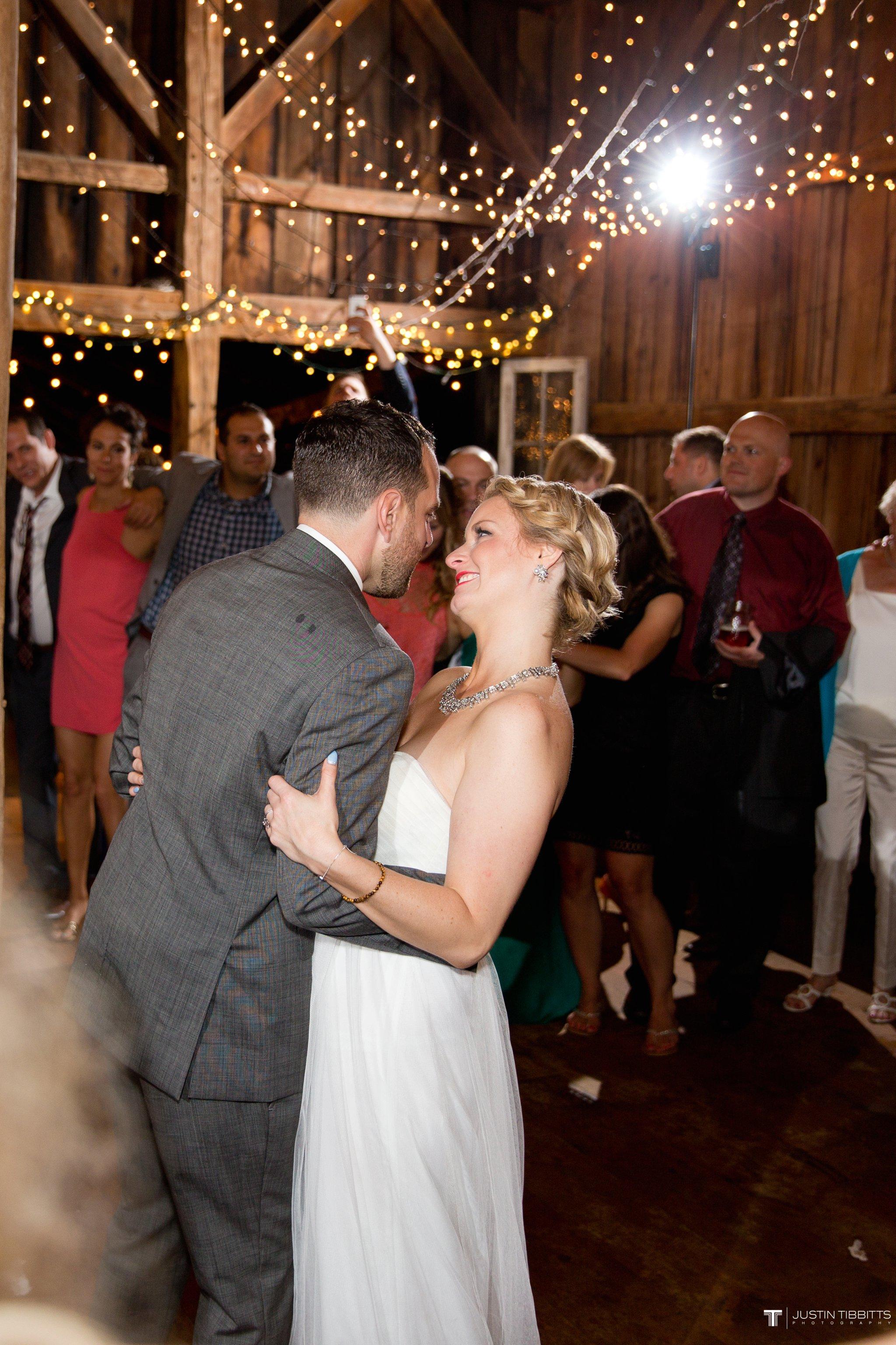 burlap-and-beams-wedding-photos-with-joran-and-molly_0137