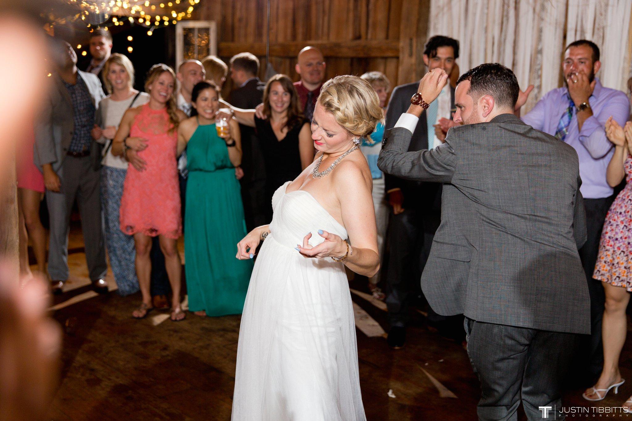 burlap-and-beams-wedding-photos-with-joran-and-molly_0138
