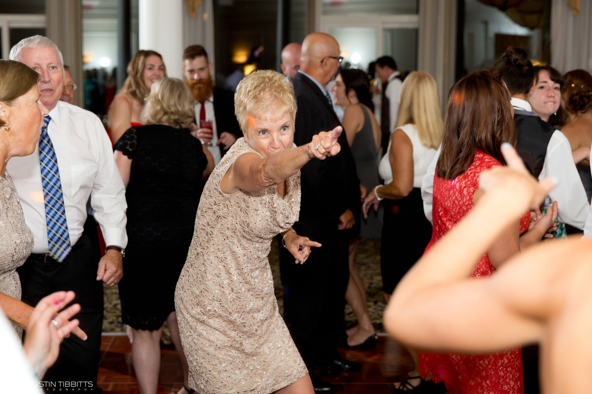 albany-country-club-wedding-photos-with-katherine-and-greg_0117