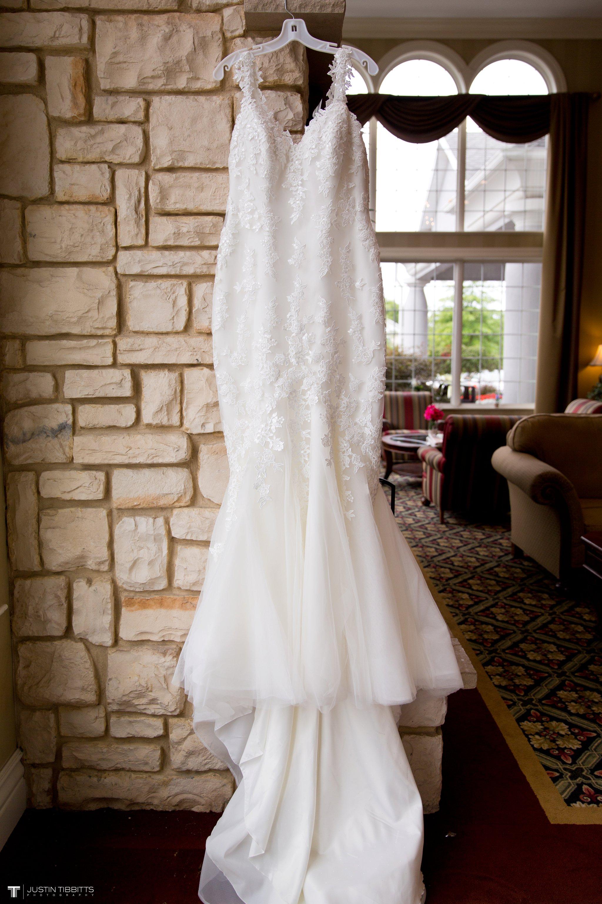 Birch Hill Wedding Photos with Savanna and Zachary_0003