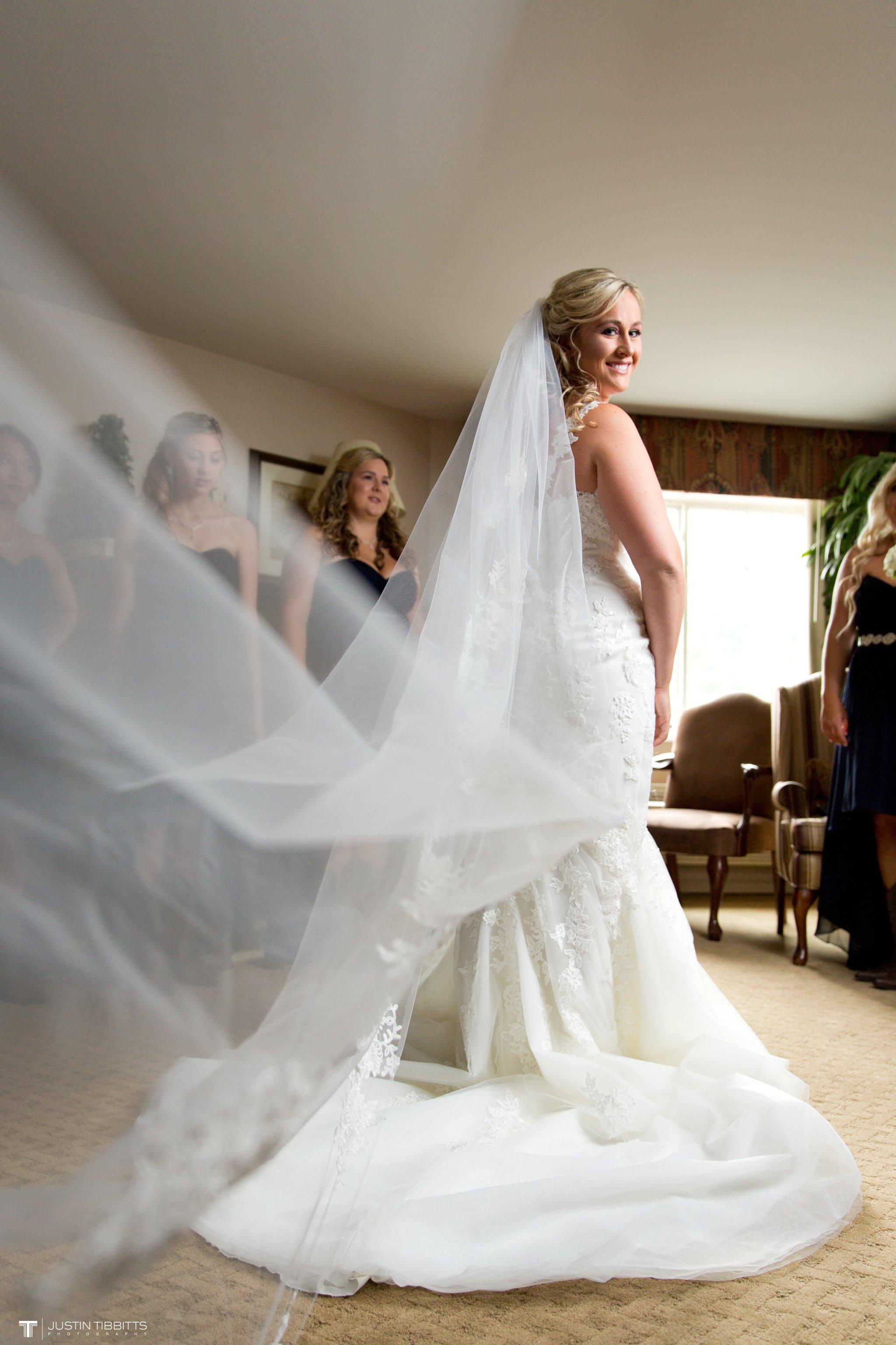 Birch Hill Wedding Photos with Savanna and Zachary_0015