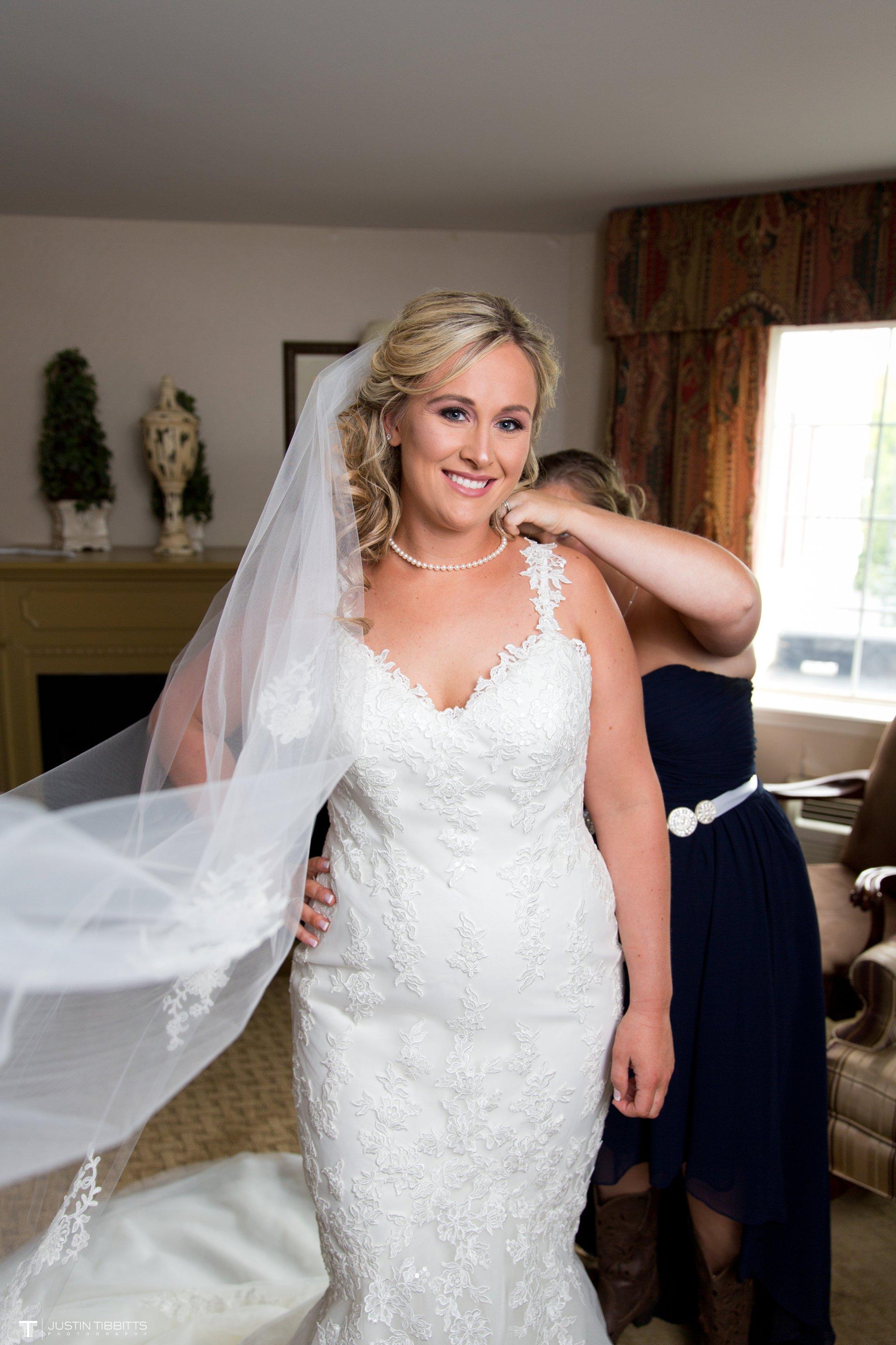 Birch Hill Wedding Photos with Savanna and Zachary_0016
