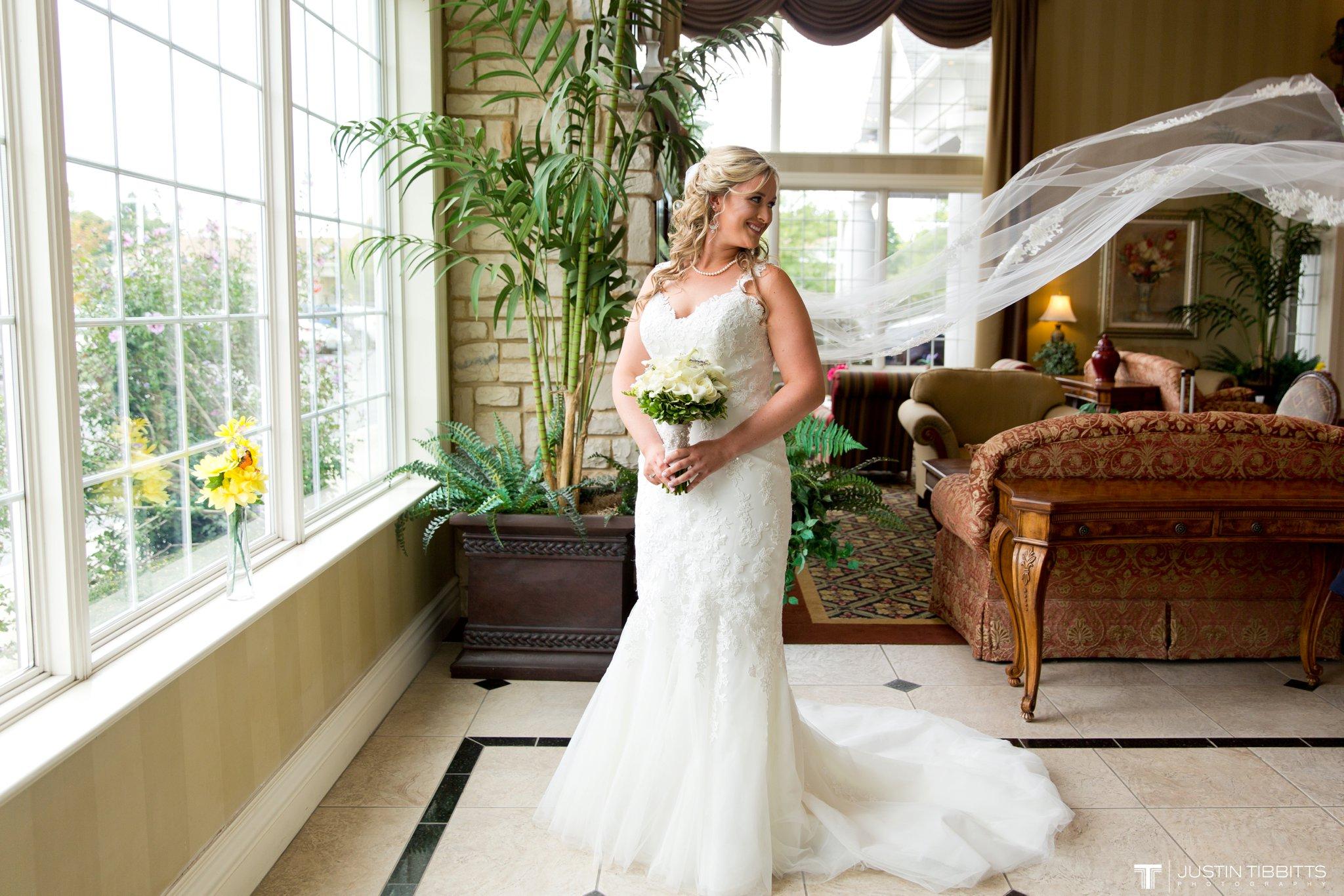 Birch Hill Wedding Photos with Savanna and Zachary_0021