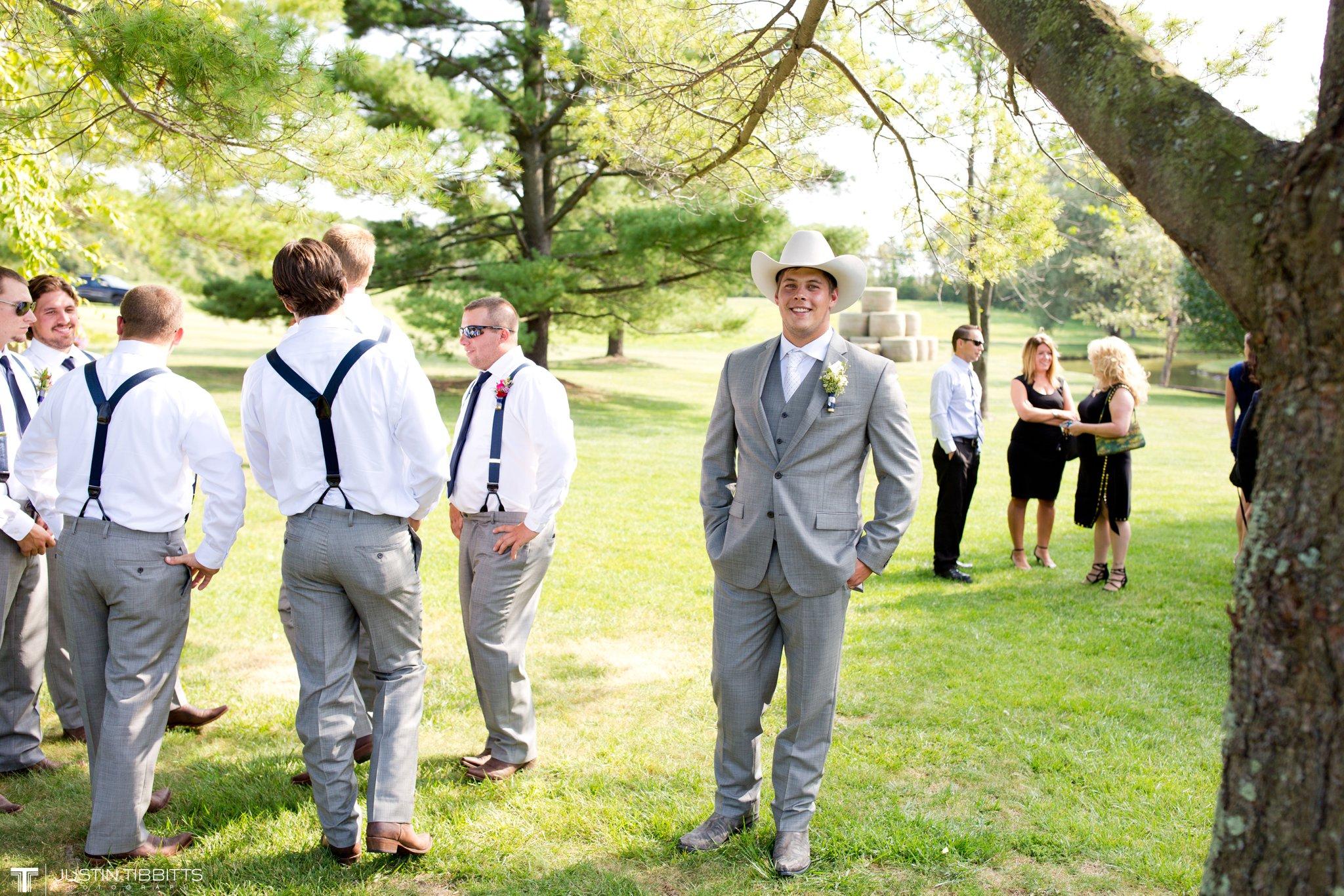 Birch Hill Wedding Photos with Savanna and Zachary_0027