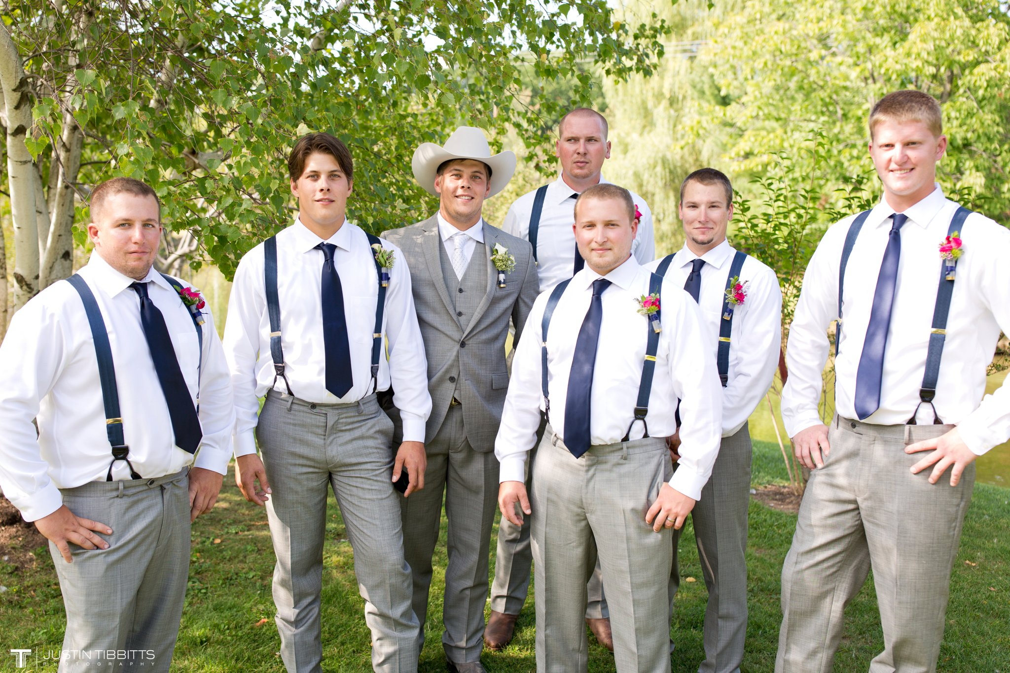 Birch Hill Wedding Photos with Savanna and Zachary_0030