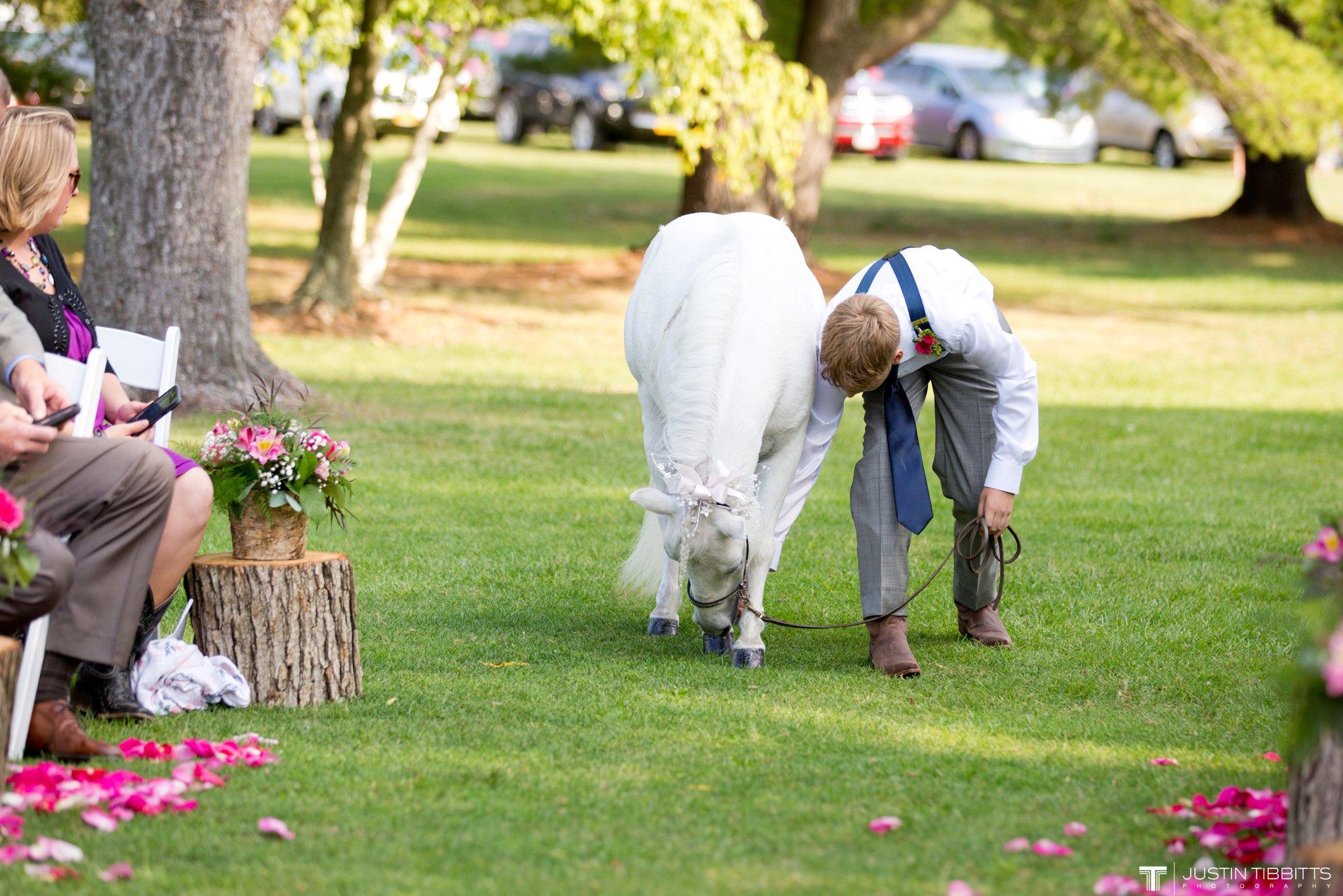 Birch Hill Wedding Photos with Savanna and Zachary_0033