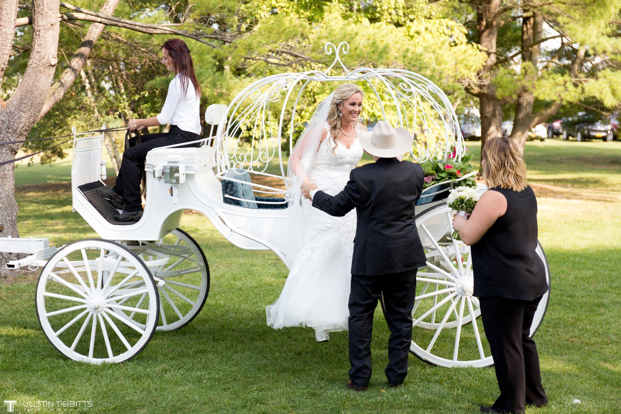 Birch Hill Wedding Photos with Savanna and Zachary_0036