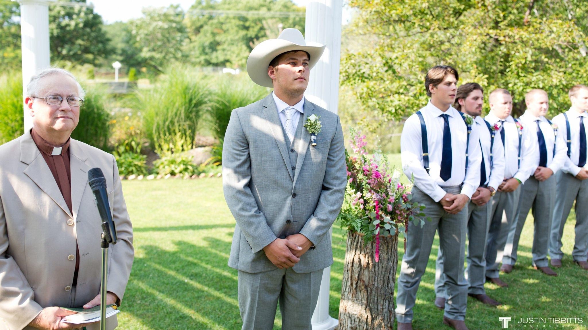 Birch Hill Wedding Photos with Savanna and Zachary_0039