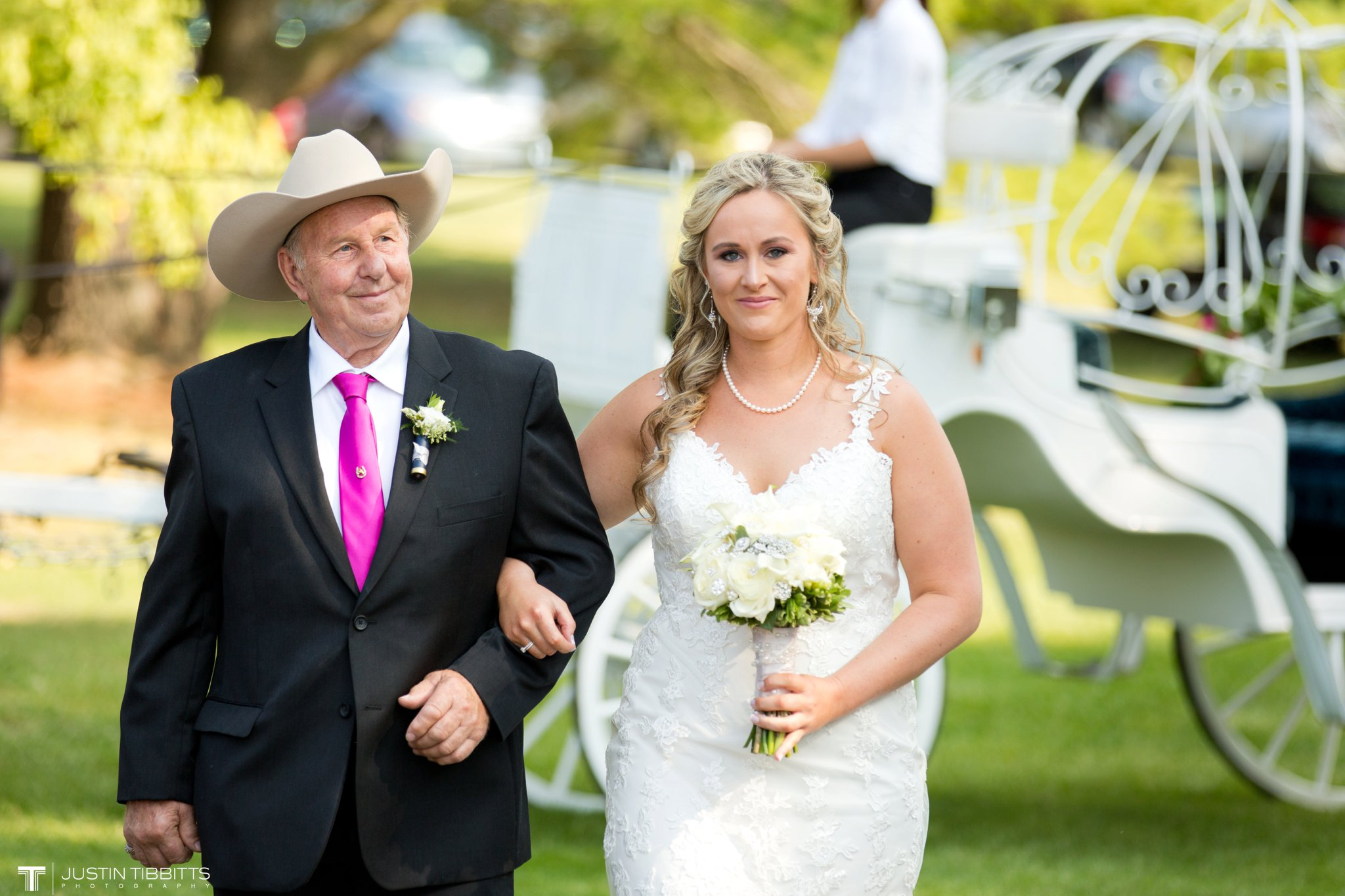 Birch Hill Wedding Photos with Savanna and Zachary_0041