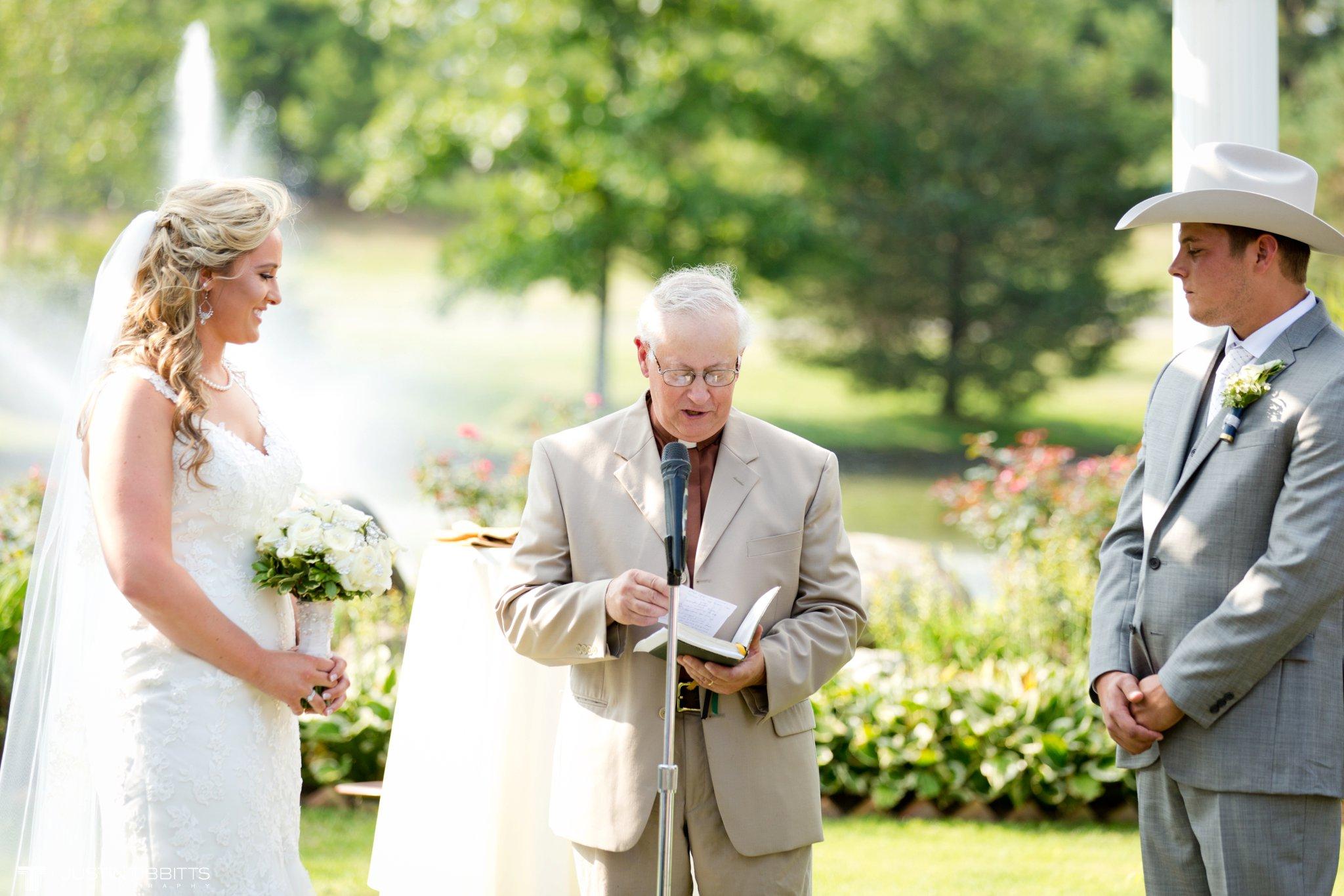 Birch Hill Wedding Photos with Savanna and Zachary_0044