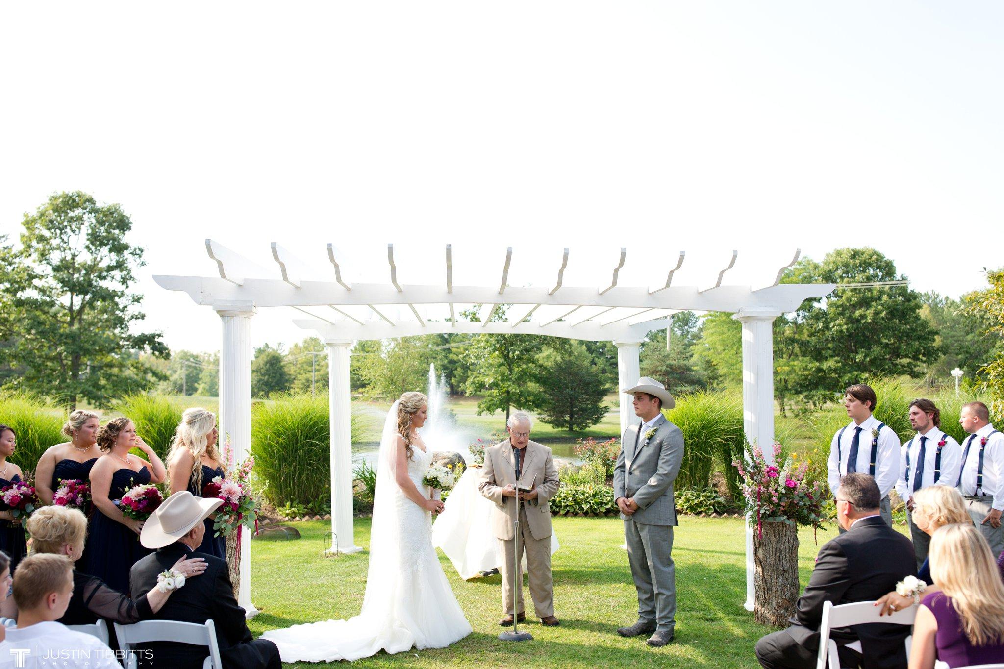 Birch Hill Wedding Photos with Savanna and Zachary_0047