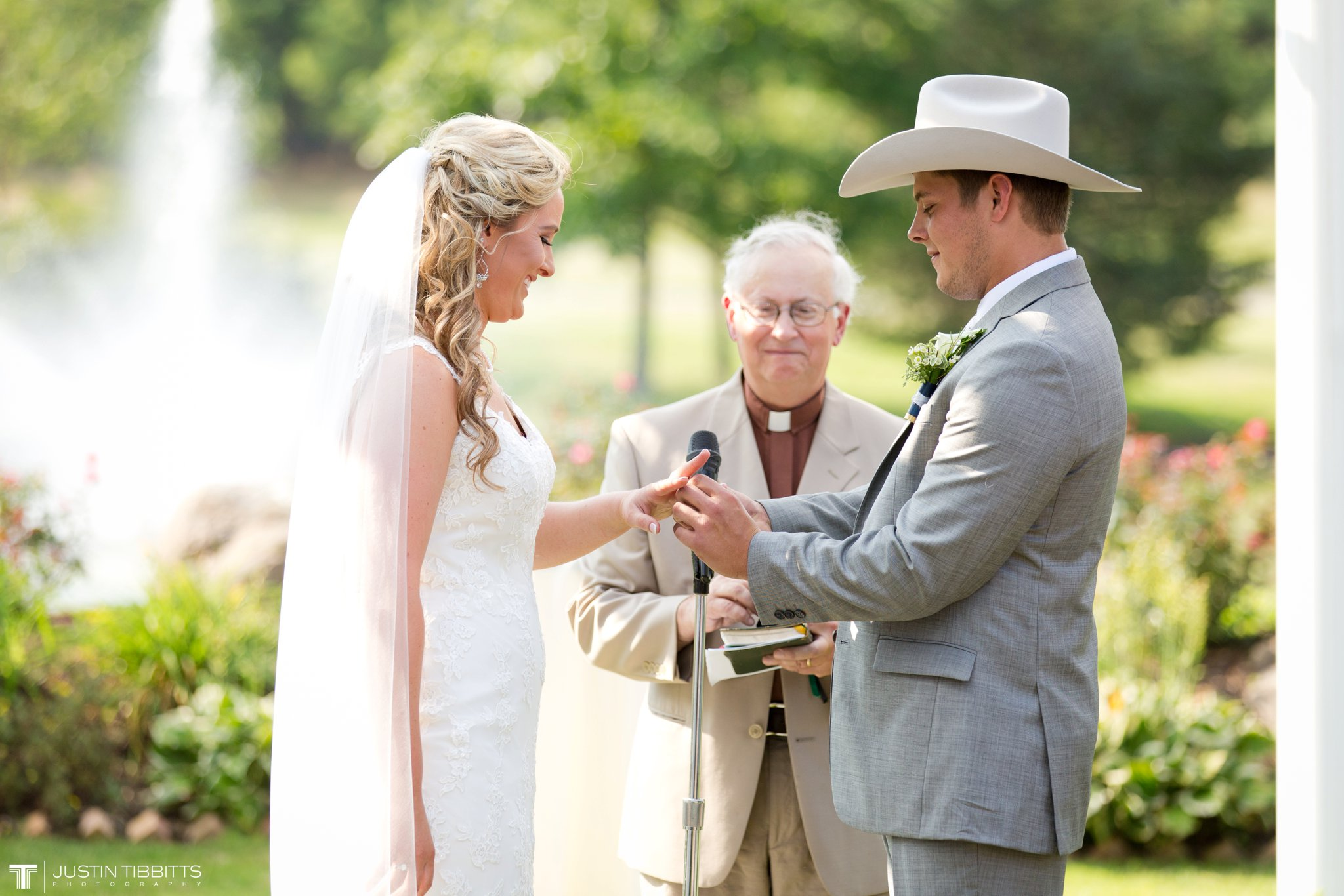 Birch Hill Wedding Photos with Savanna and Zachary_0051