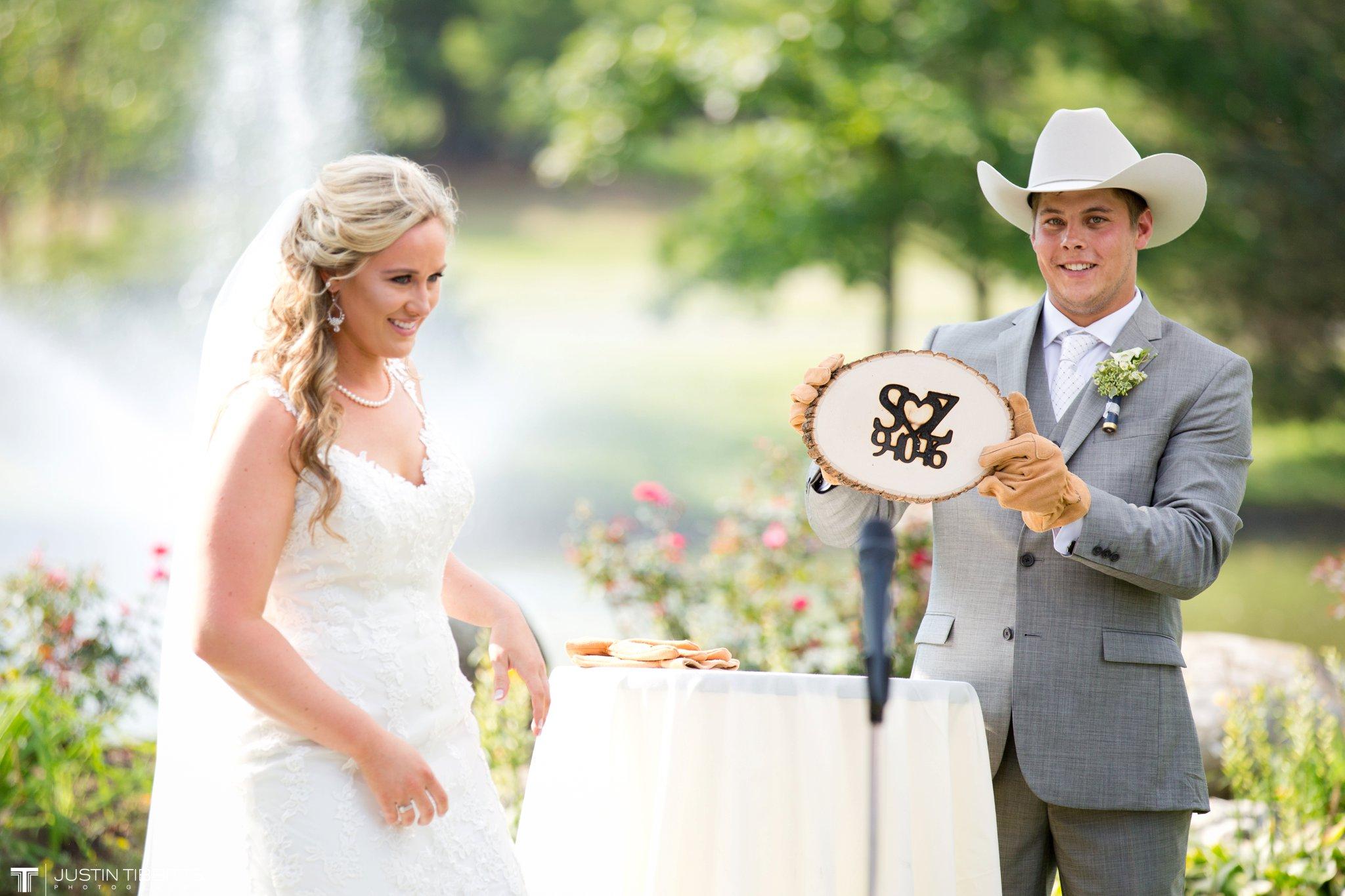 Birch Hill Wedding Photos with Savanna and Zachary_0054