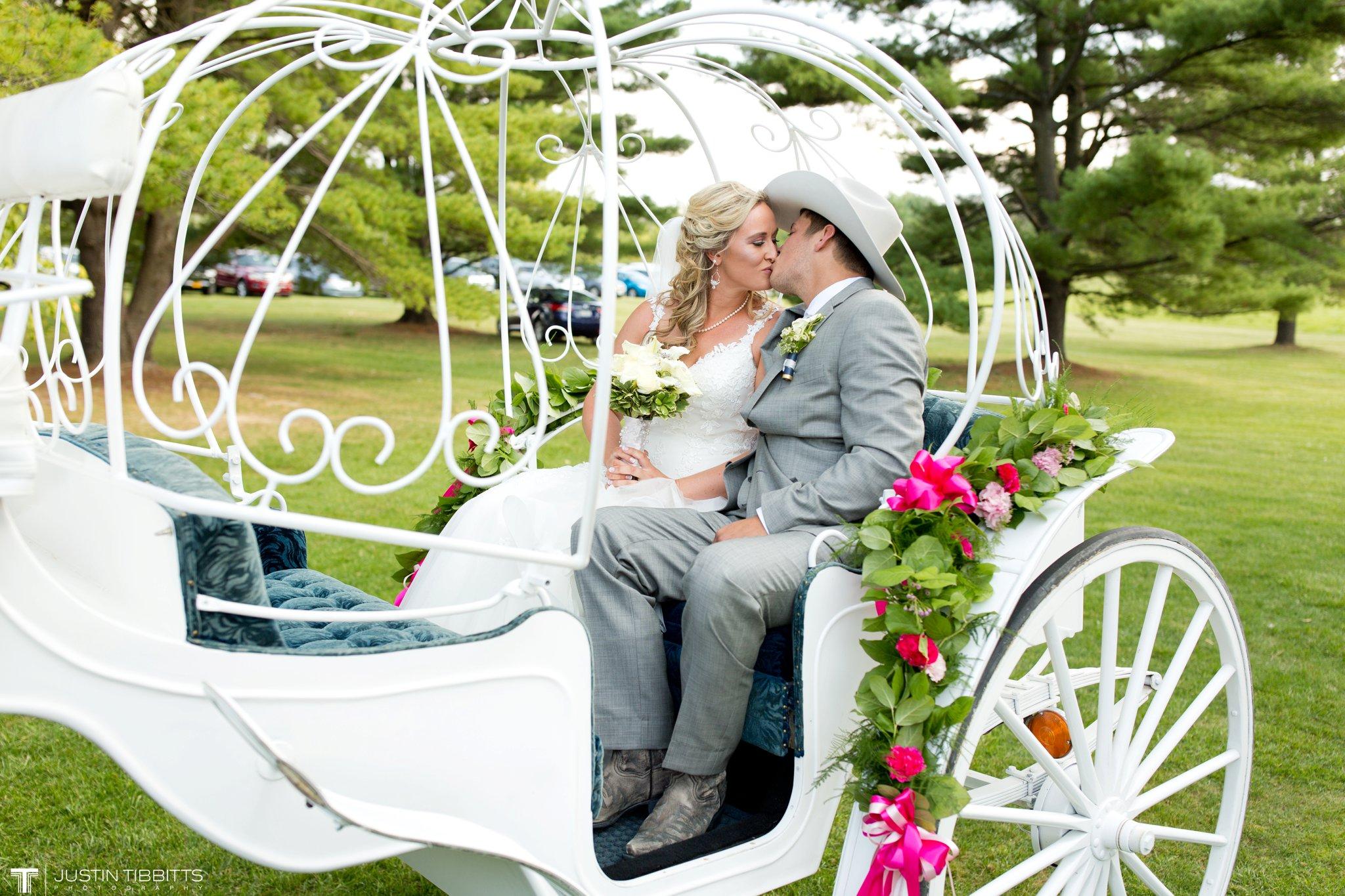 Birch Hill Wedding Photos with Savanna and Zachary_0058