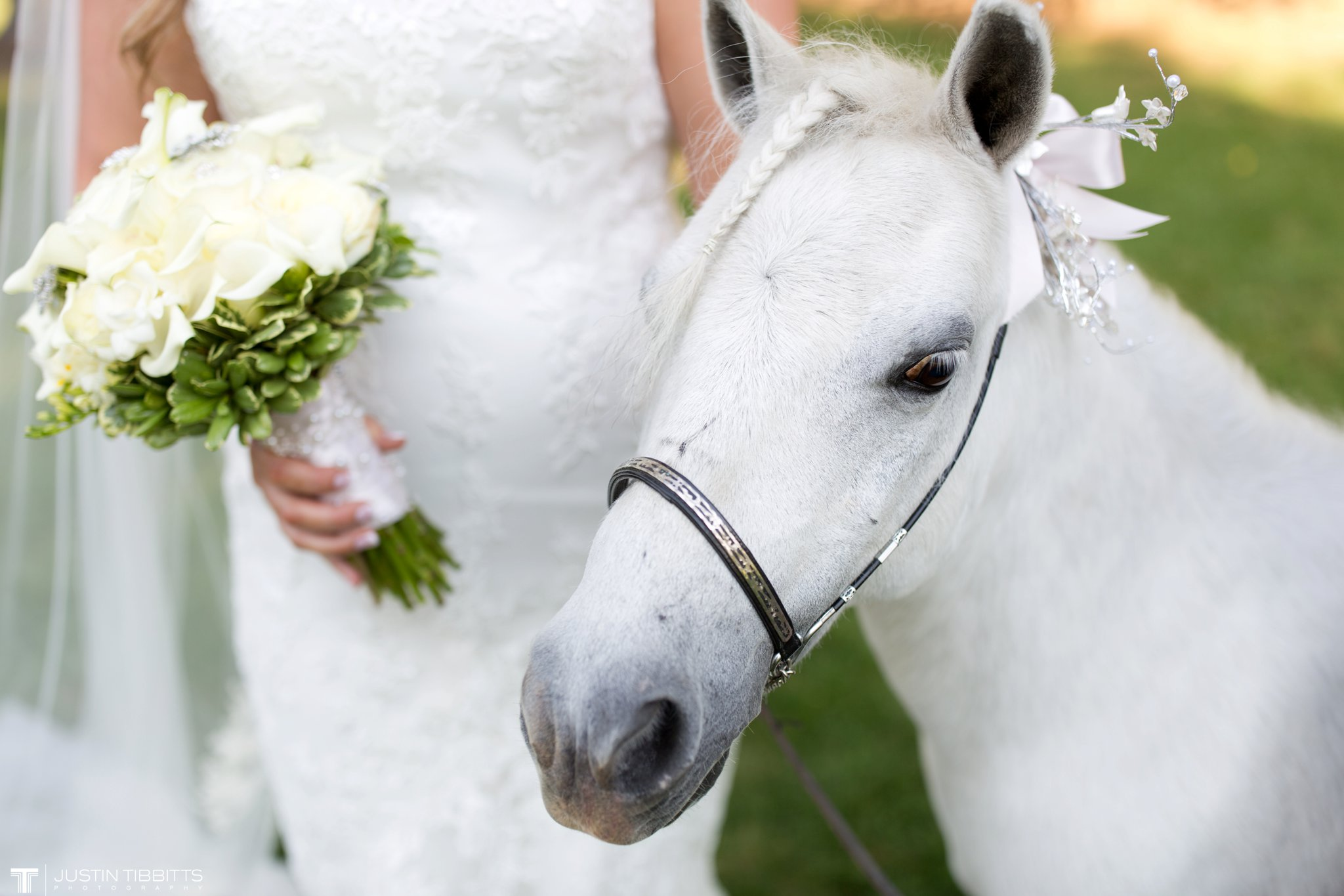 Birch Hill Wedding Photos with Savanna and Zachary_0062