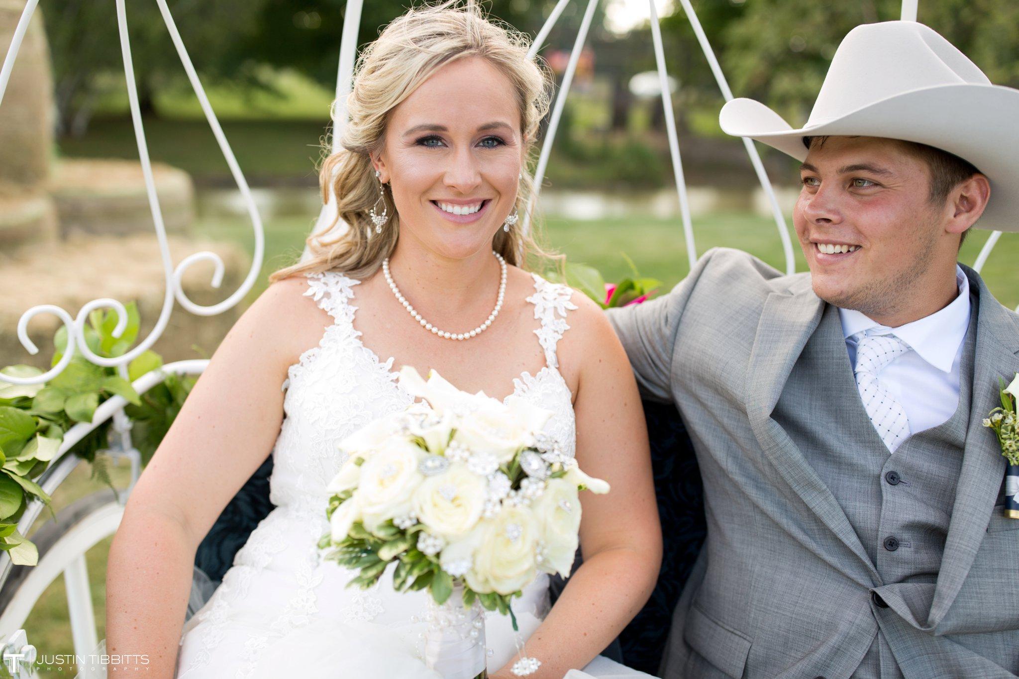 Birch Hill Wedding Photos with Savanna and Zachary_0075
