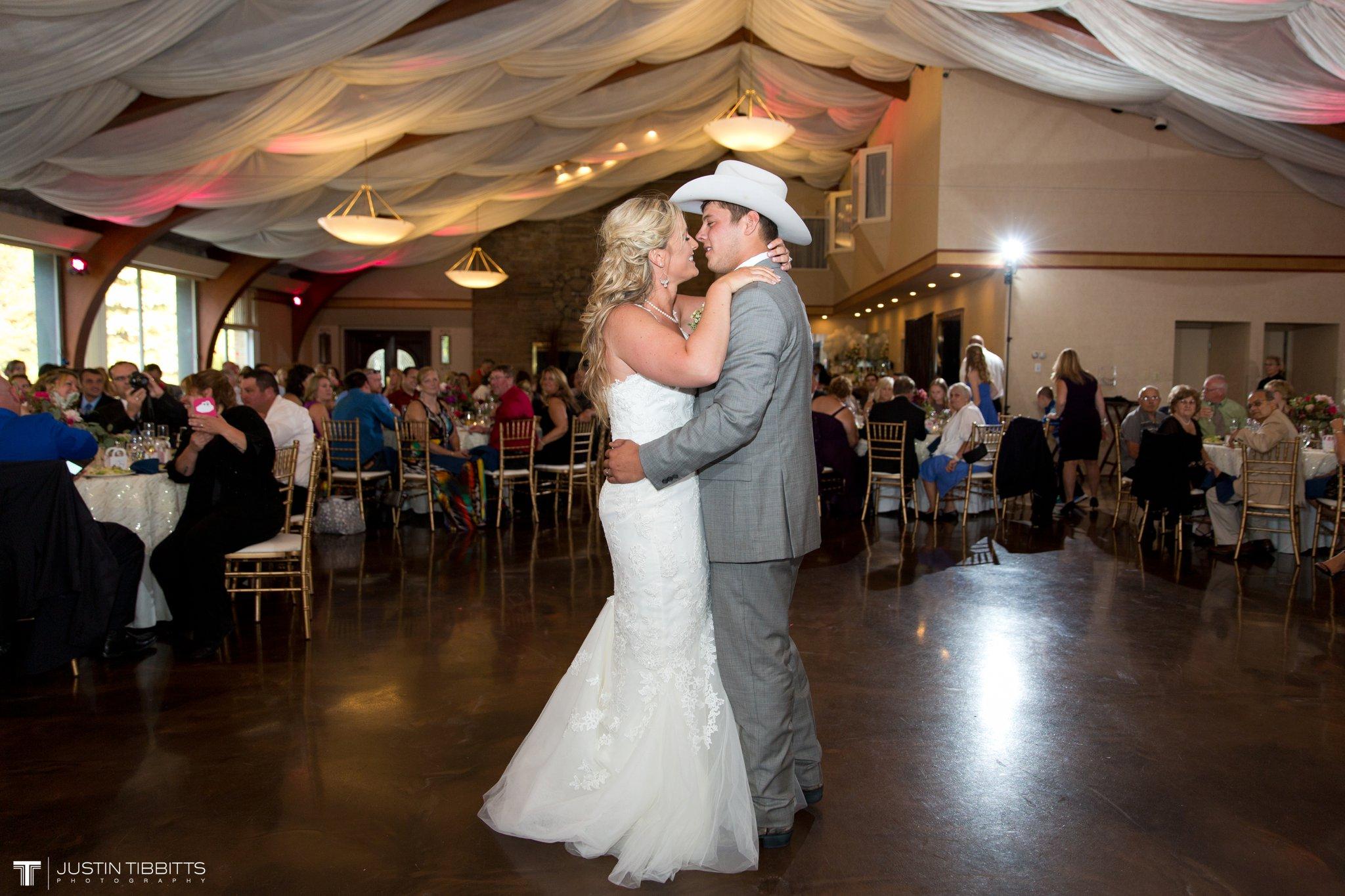 Birch Hill Wedding Photos with Savanna and Zachary_0090