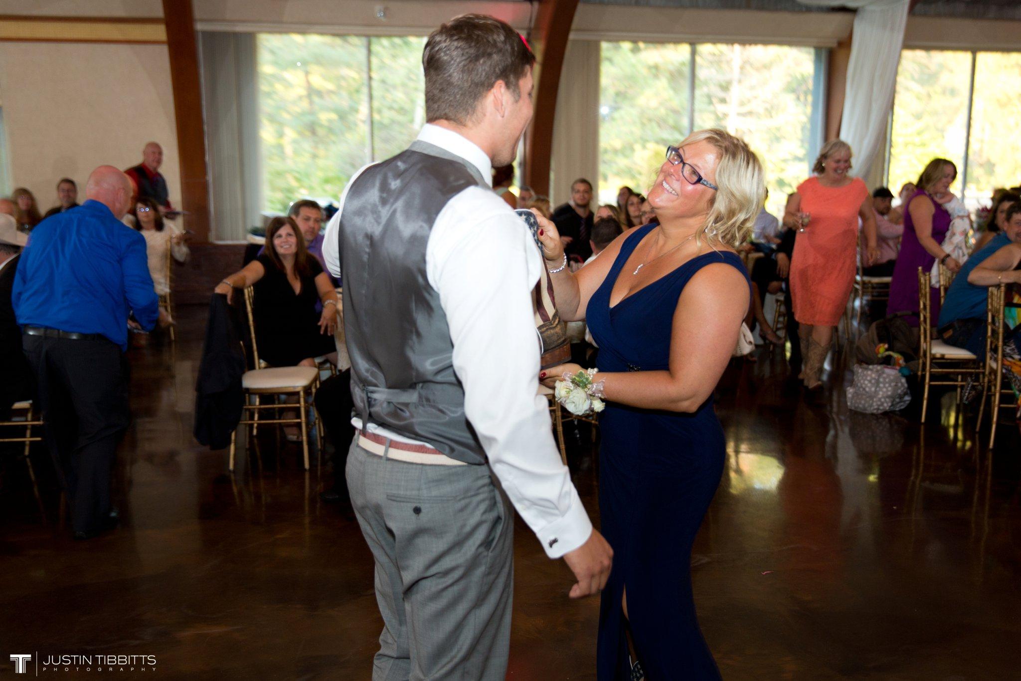 Birch Hill Wedding Photos with Savanna and Zachary_0095