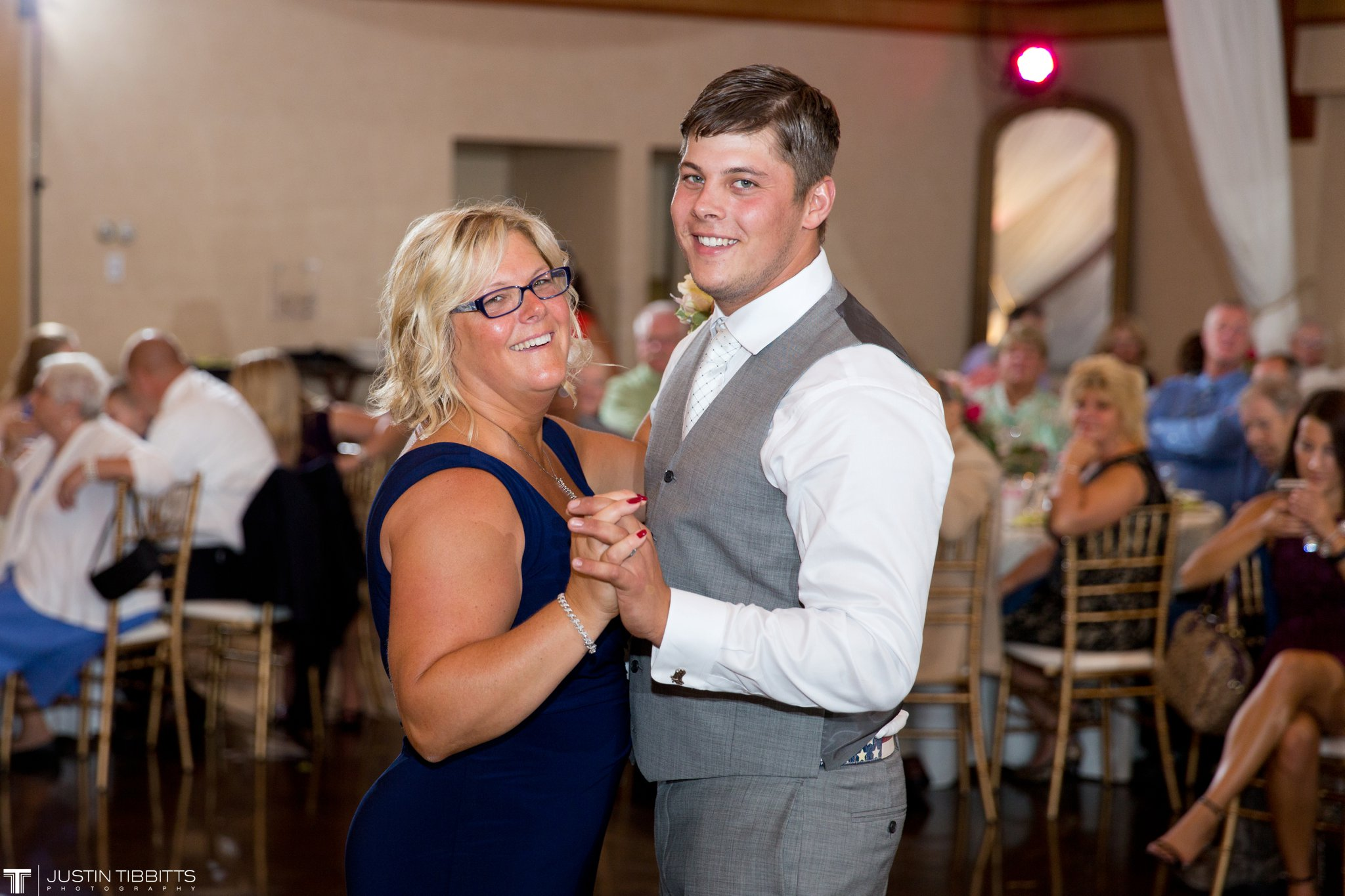 Birch Hill Wedding Photos with Savanna and Zachary_0098