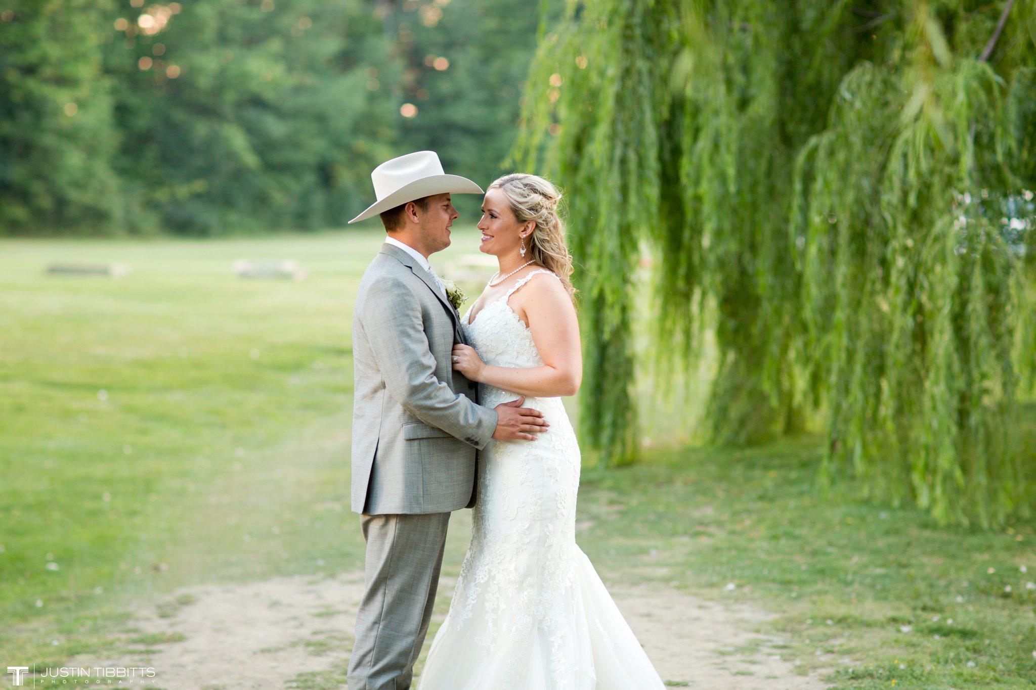 Birch Hill Wedding Photos with Savanna and Zachary_0106