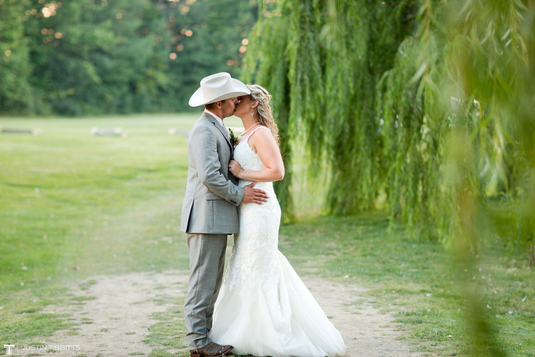 Birch Hill Wedding Photos with Savanna and Zachary_0107