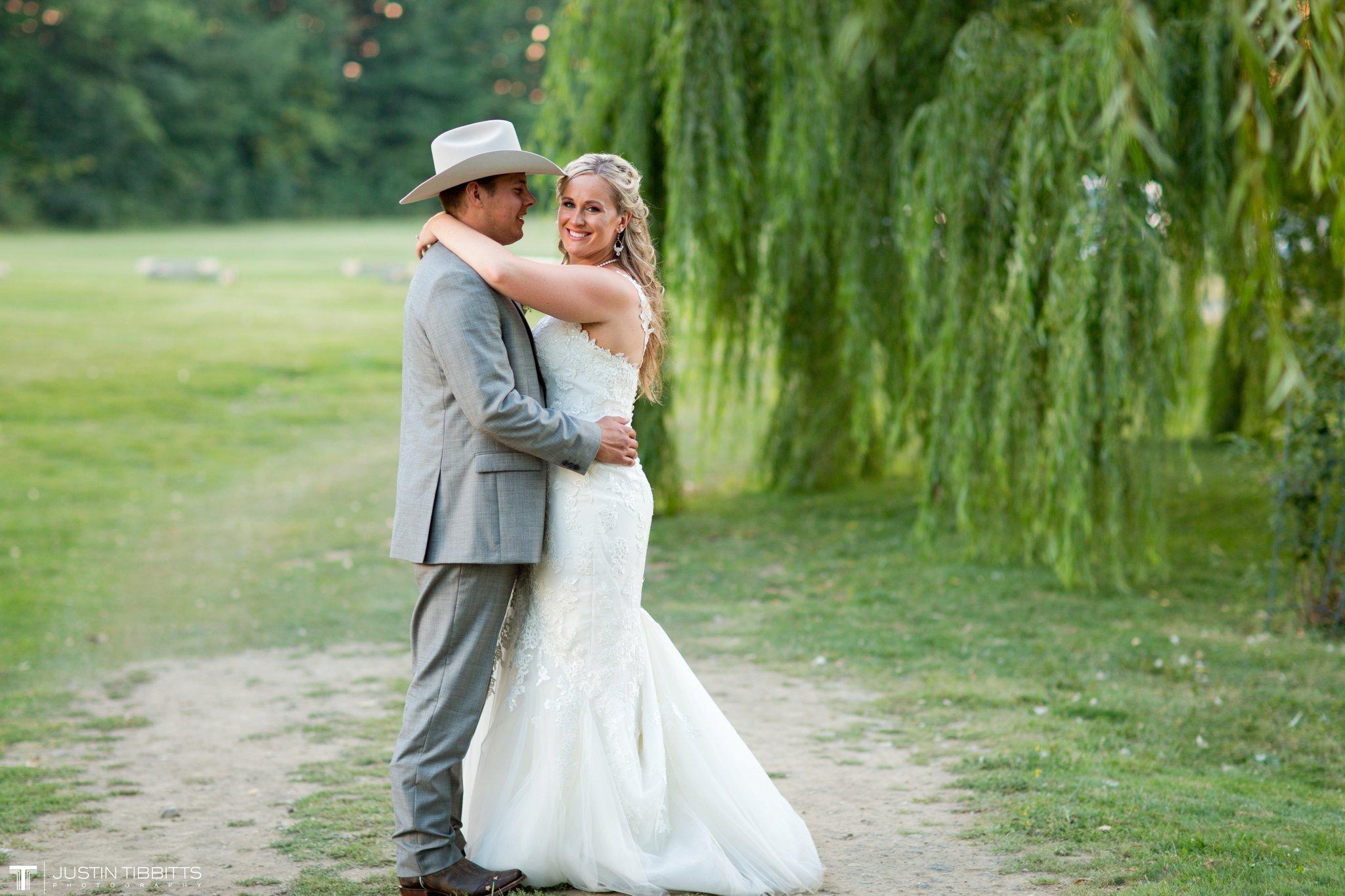 Birch Hill Wedding Photos with Savanna and Zachary_0108