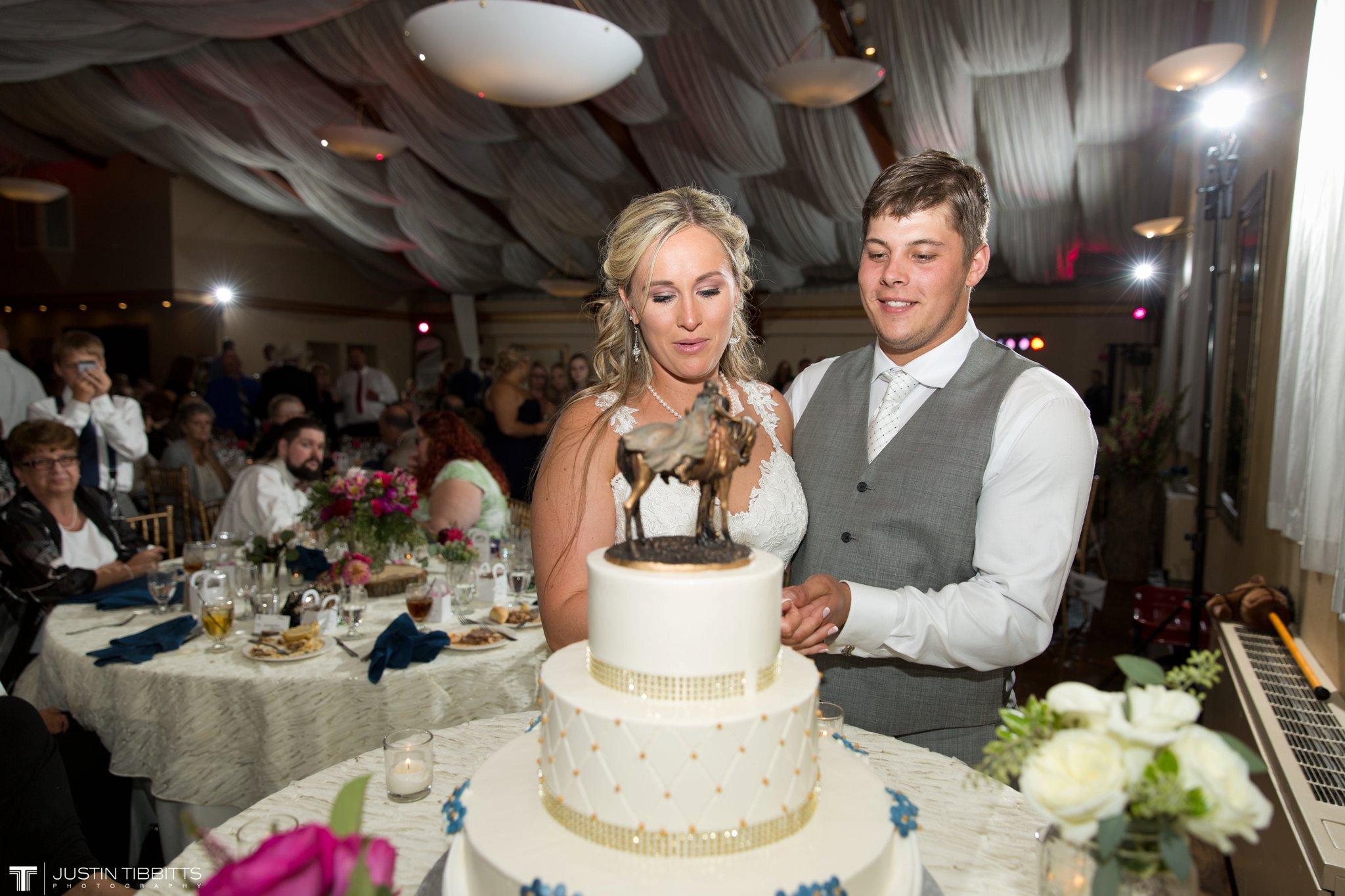 Birch Hill Wedding Photos with Savanna and Zachary_0115