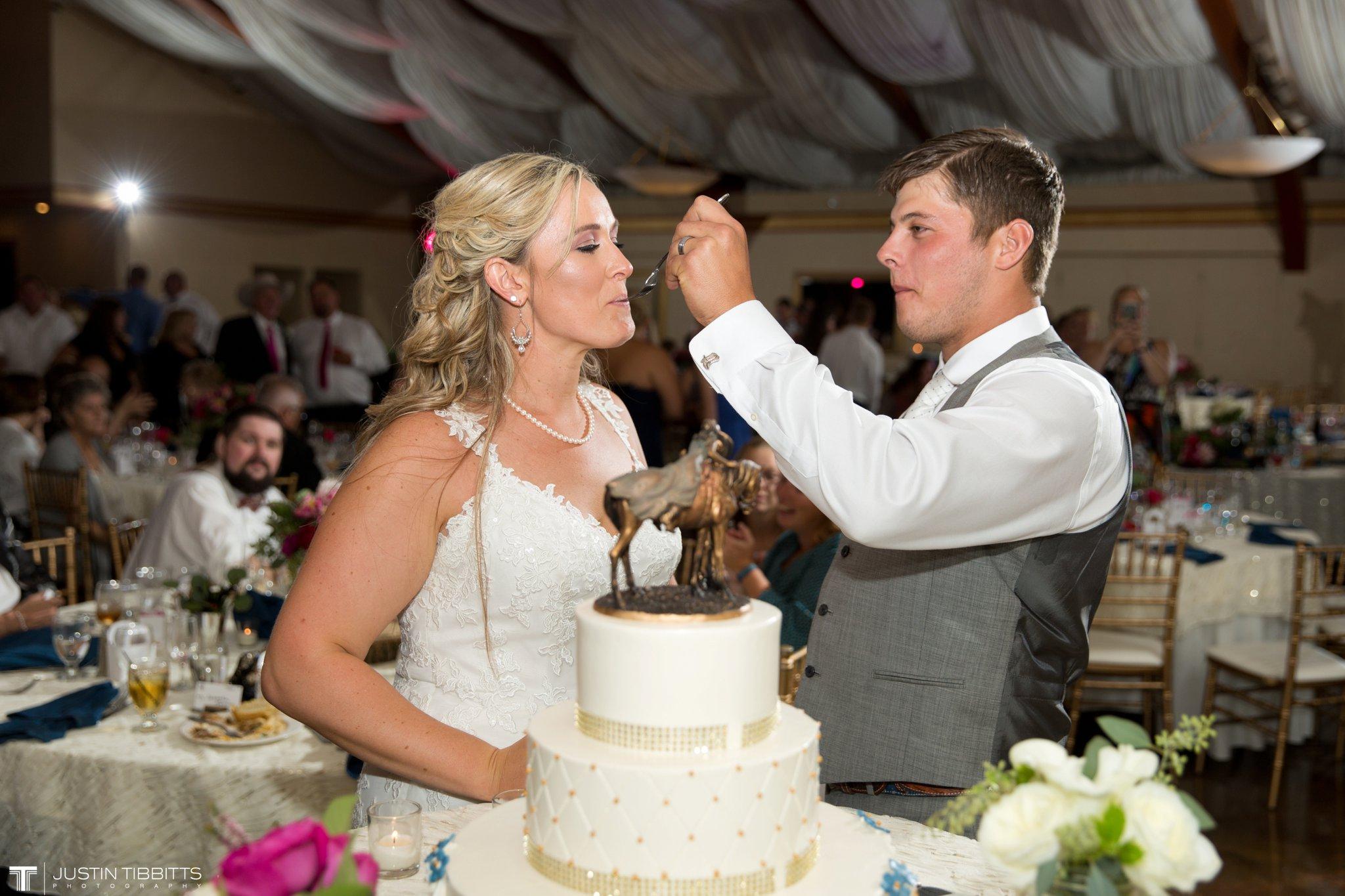 Birch Hill Wedding Photos with Savanna and Zachary_0116