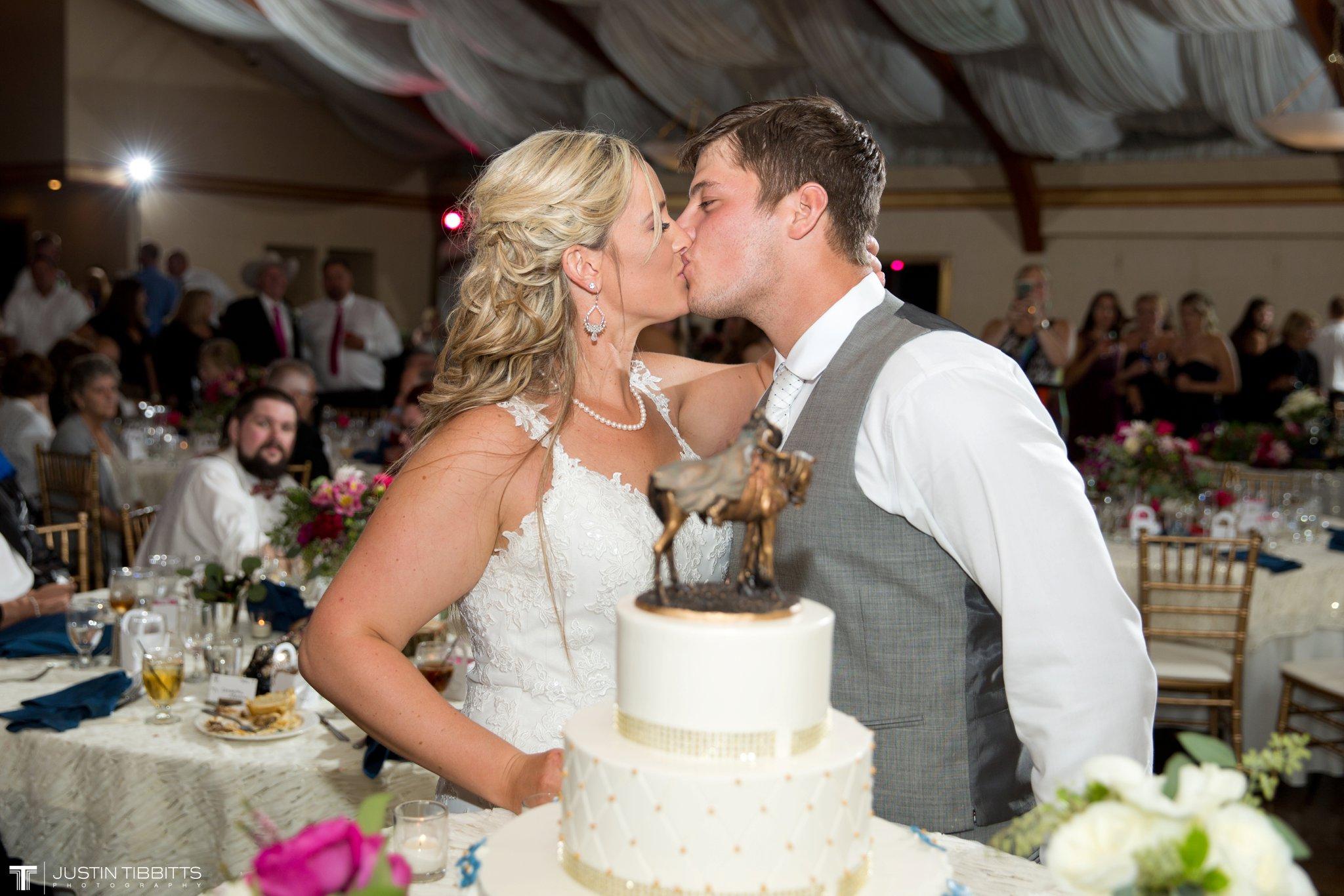 Birch Hill Wedding Photos with Savanna and Zachary_0117