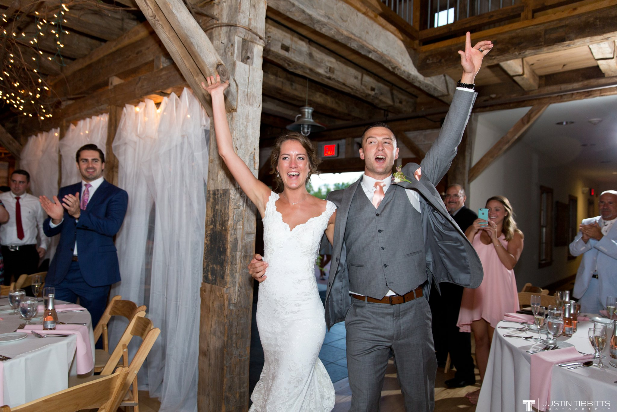 Pats Barn Wedding Photos with Iris and Dan_0121