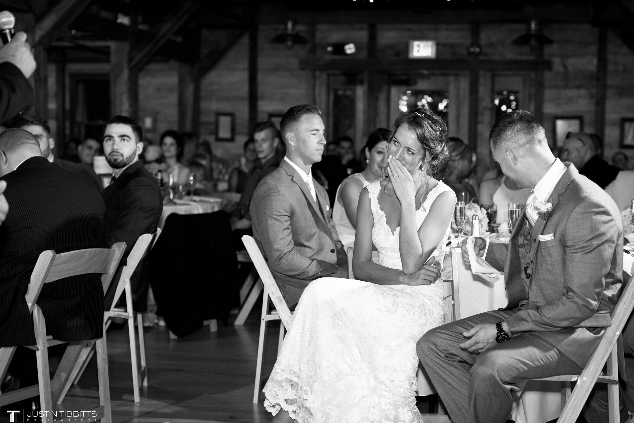 Pats Barn Wedding Photos with Iris and Dan_0133